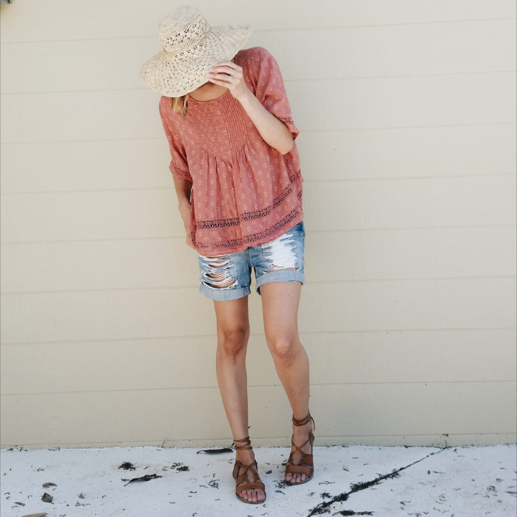 Blouse and sandals: Old Navy, Shorts:Forever21, Hat:TJMaxx